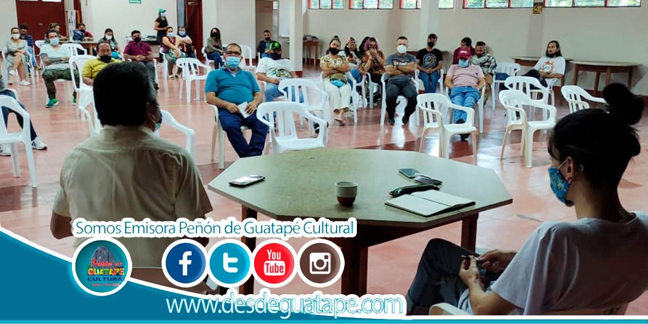 Jóvenes de Guatapé realizan conversatorio sobre el paro nacional