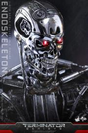 Terminator-Genisys-T-800-Hot-Toys-012