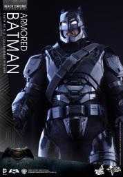 Hot-Toys-BvS-Black-Chrome-Armored-Batman-004