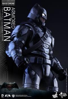 Hot-Toys-BvS-Black-Chrome-Armored-Batman-005