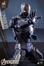 Hot-Toys-Avengers-Iron-Man-Mark-VII-Stealth-Edition-002