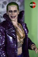 Hot Toys Joker Purple Coat (15)