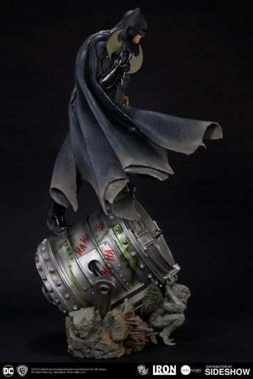 dc-comics-batman-one-third-scale-statue-iron-studios-903039-08