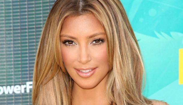 tons de loiro - kim kardashian - desejos de beleza