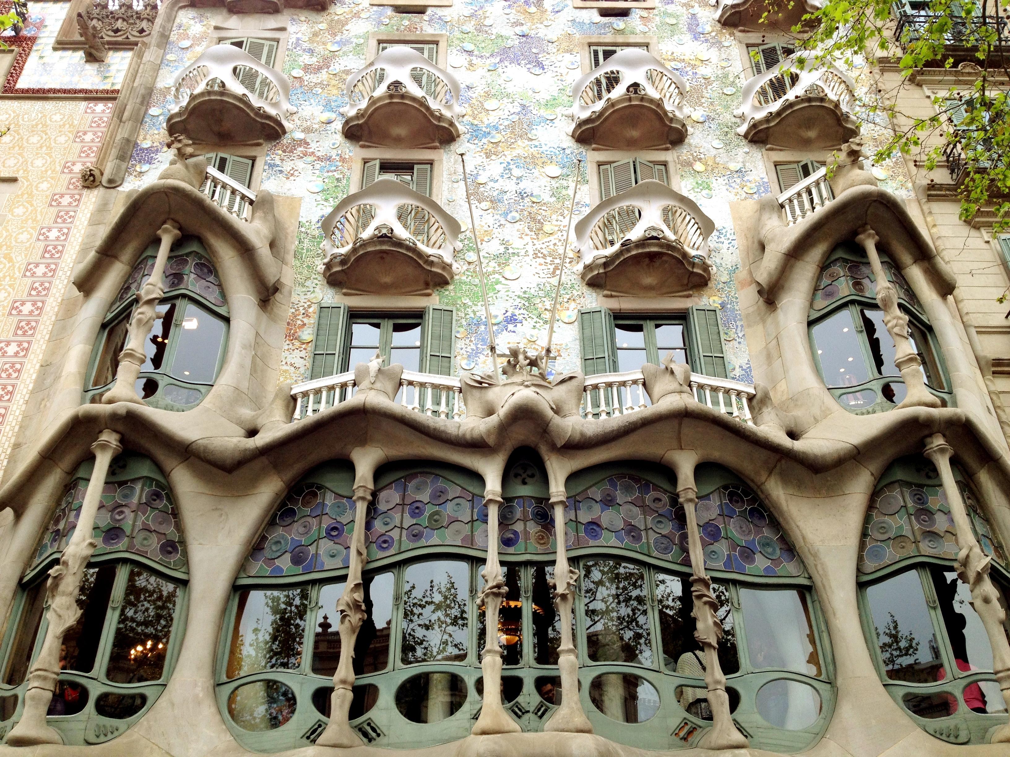 La Casa Batll  Barcelone  Des Enfants  Des Escapades