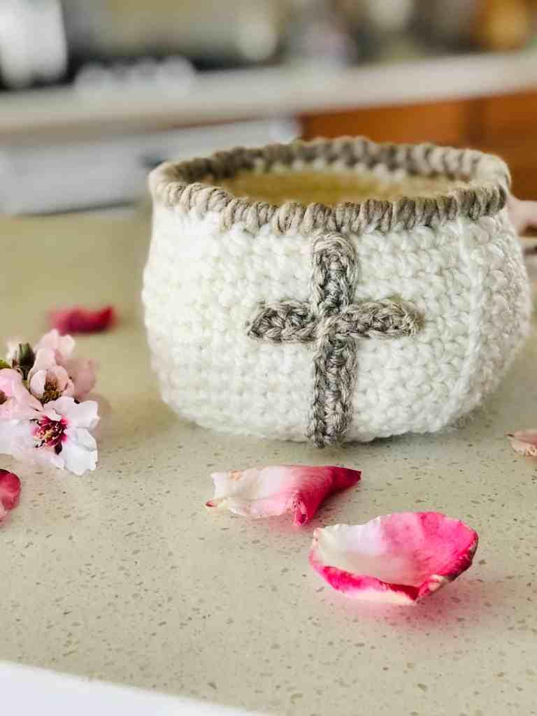 Christian crochet basket pattern