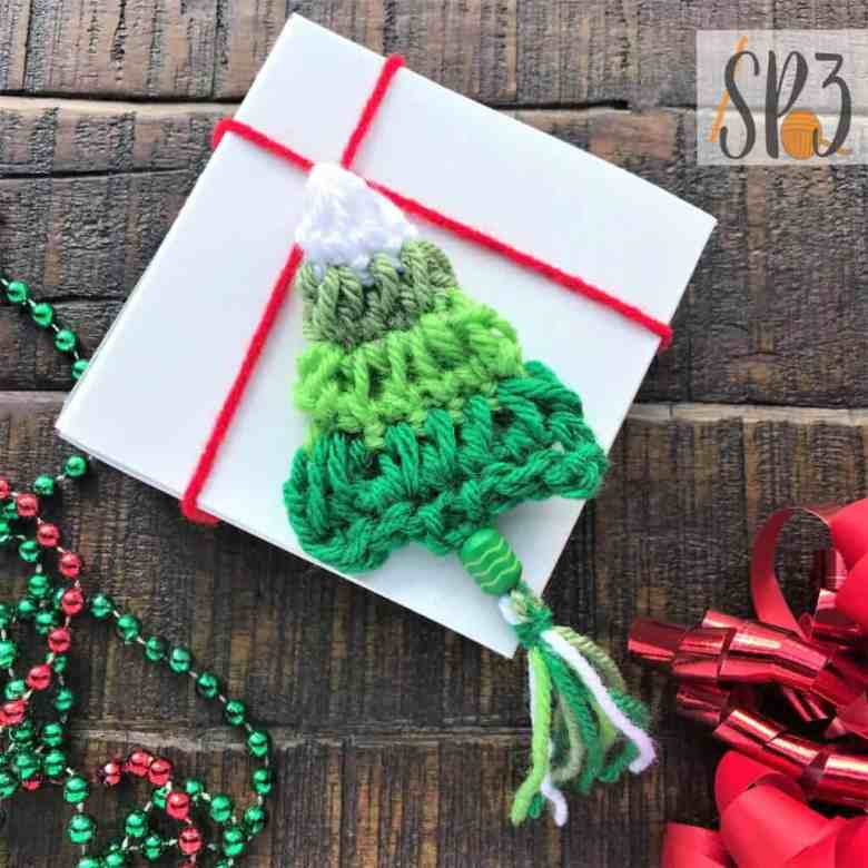 Tassel Christmas Tree Garland crochet pattern