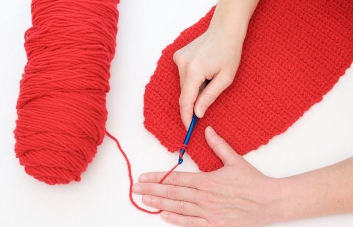 Best Yarn for Beginner's Scarf - Acrylic