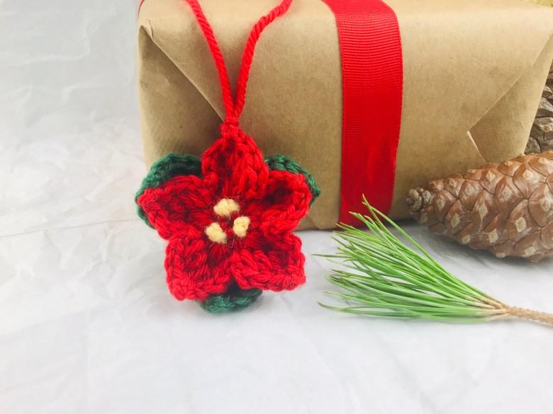 Free & Easy Crochet Poinsettia Pattern