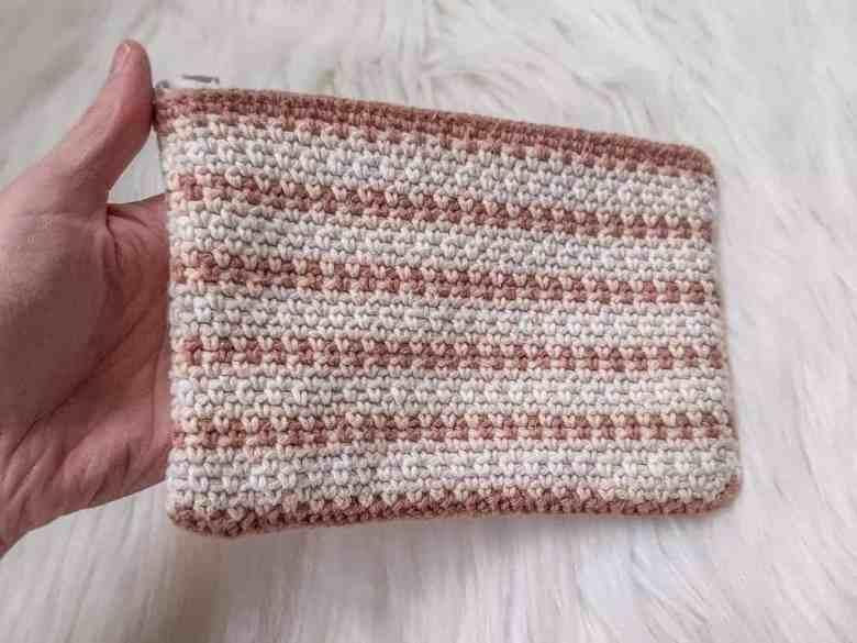 simple crochet zipper pouch