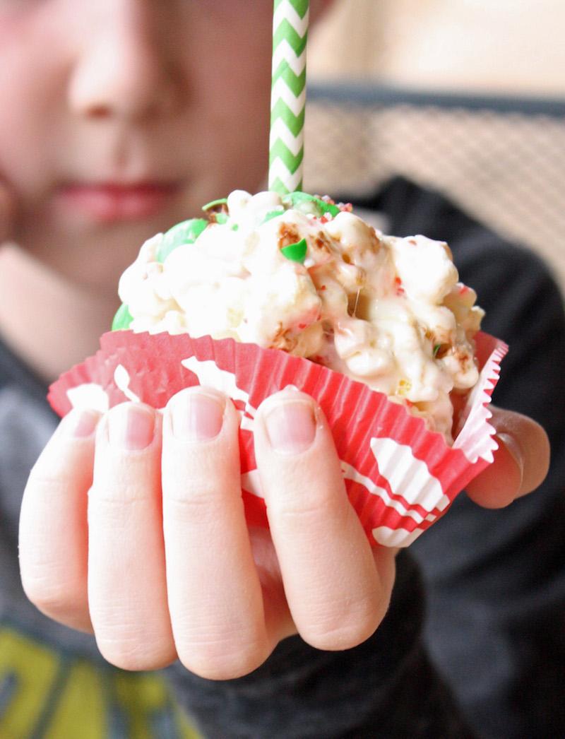 peppermint-popcorn-pops