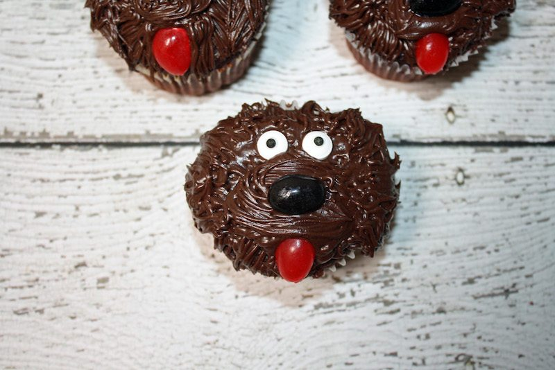 the-secret-life-of-pets-duke-cupcakes