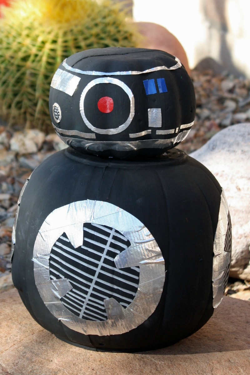 Have a Star Wars Halloween with this Star Wars BB-9E Pumpkin. This DIY Star Wars Halloween craft is budget friendly, adorable and represents the dark side!