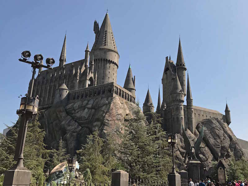 4 Reasons Universal Studios Hollywood Is Better Than Universal Orlando - Hogwarts Castle at Universal Studio Hollywood Hogsmeade