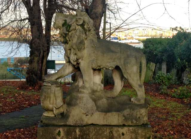Tom Cribb's monument, Woolwich