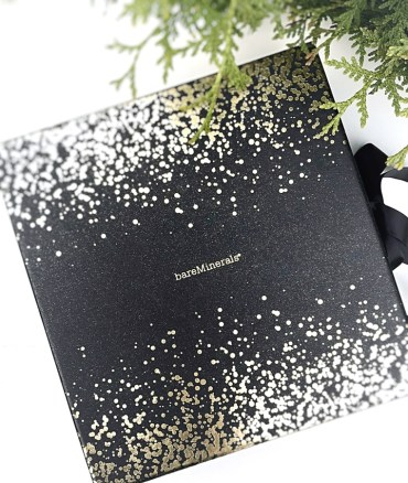 BareMinerals Box of Wonders 24 Days of Surprises Advent Calendar