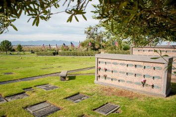 Desert-Lawn-Funeral-Cemetery-in-Mohave-Valley-Arizona-1