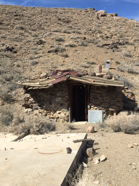 lone pine cabin