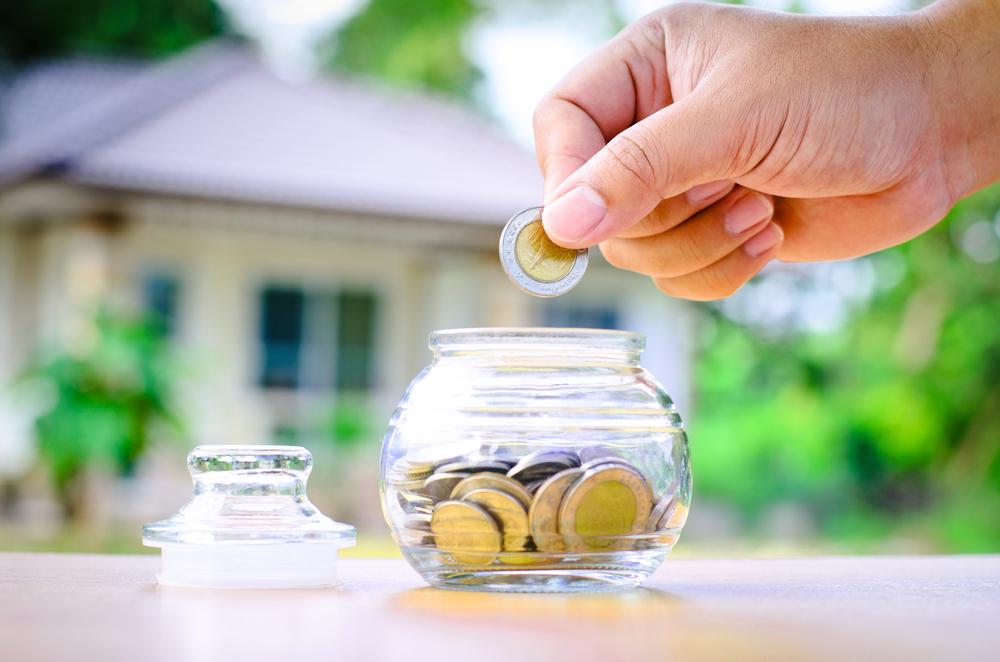 Une épargne solide, des finances saines, des comptes sans découvert sont la base pour commencer à investir