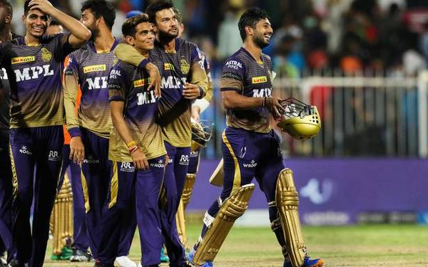 Karthik reprimanded for breaching IPL code of conduct