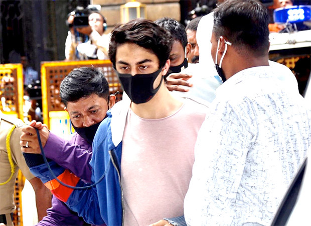 Shah Rukh Khan's son Aryan Khan and five others shifted to common cell from quarantine barrack in Arthur Road jail after COVID-19 negative tests : Bollywood News