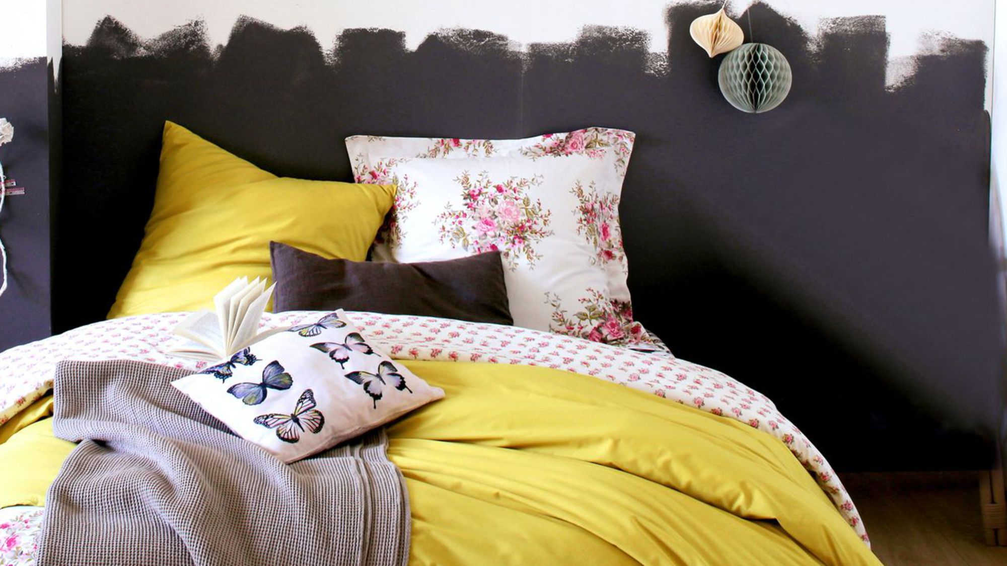 12 ides pour dcorer votre tte de lit