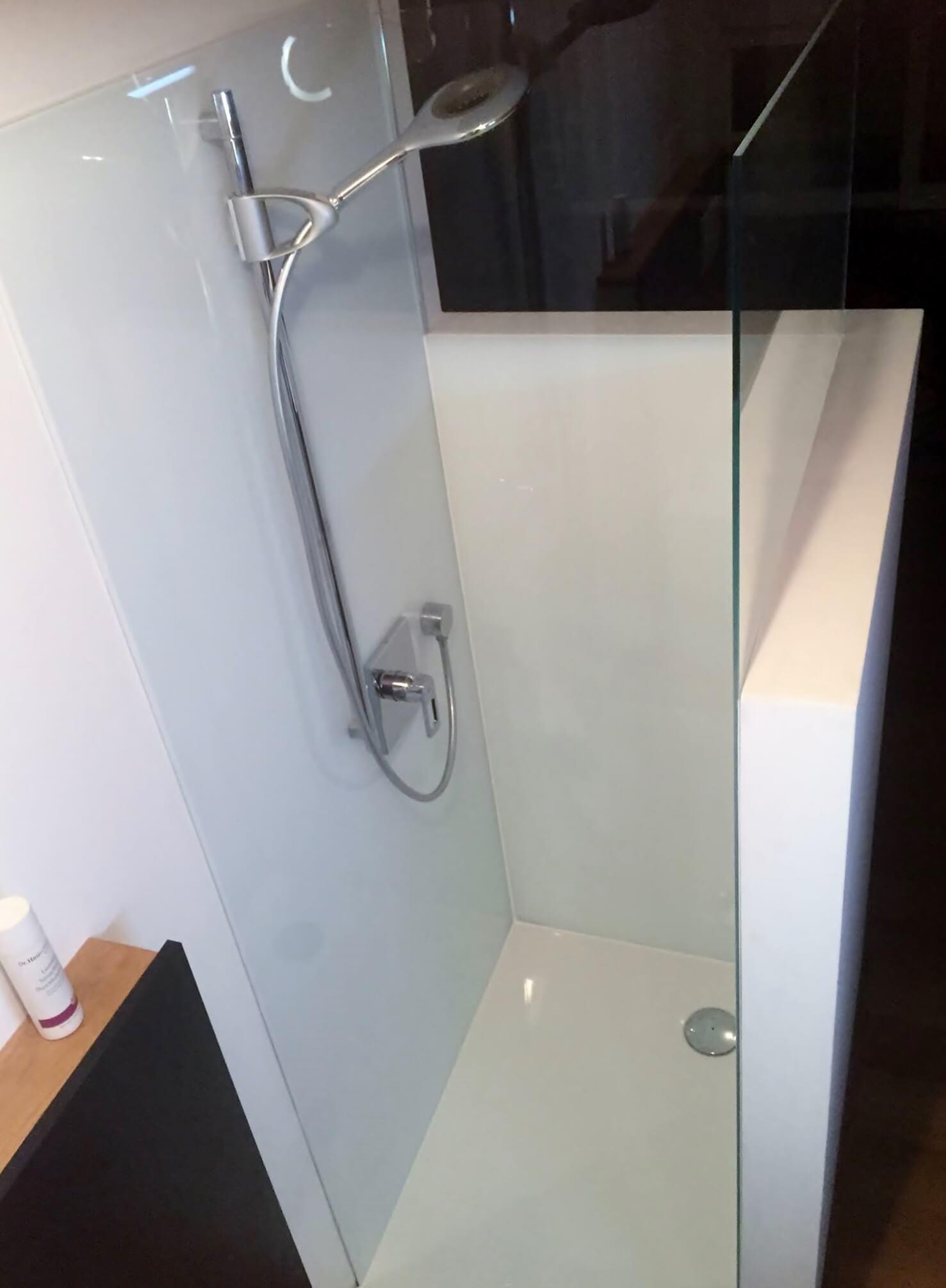 k che fliesen oder glas glast ren glasplatten von der glaserei winkler aus m nchen. Black Bedroom Furniture Sets. Home Design Ideas