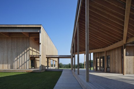 Won Dharma Center by hanrahan Meyers architects