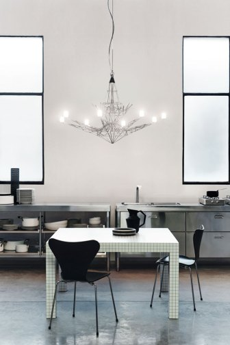 Lightweight Chandelier - Foscarini - Ritratti Catalogue - Image by Andrea Ferrri