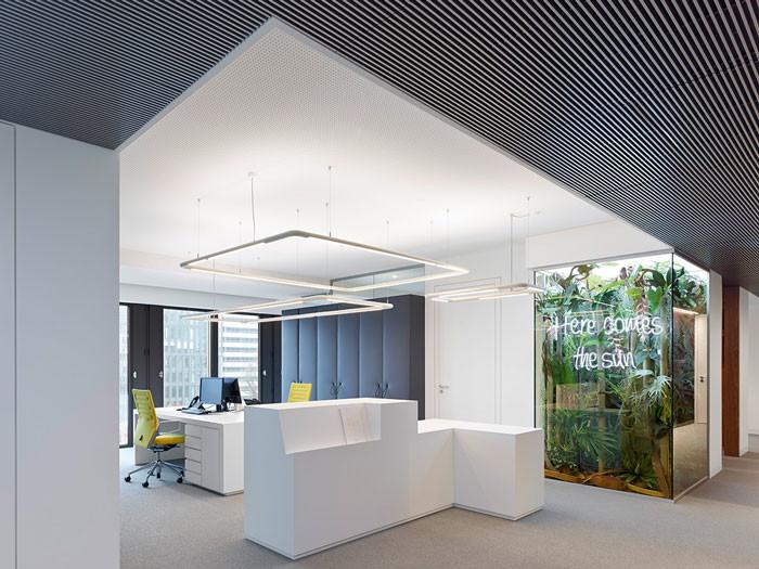 Phoenix Real Estate Office Design By Ippolito Fleitz