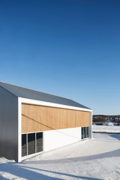 La Taule Sports Center by Architecture Microclimat