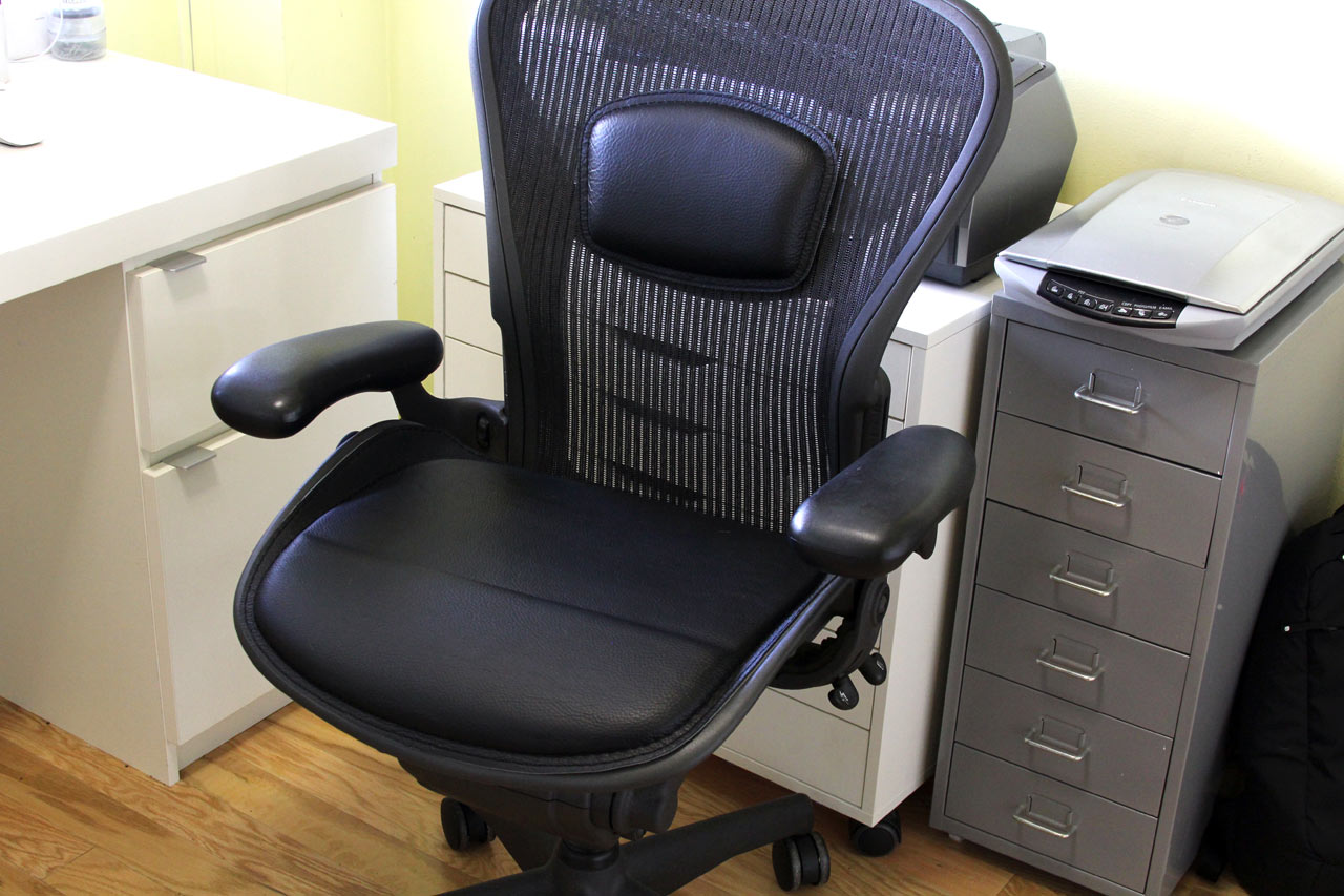 Aero Chair Can The Aeron Chair Be Improved With Seat Cushions Design Milk