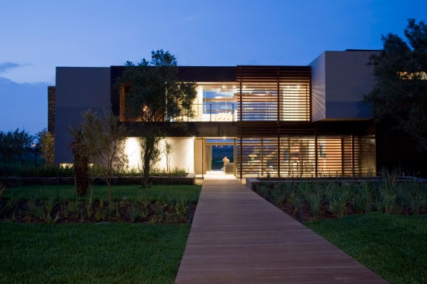 Modern Villa With Earthy Textures & Rich Finishes - Design