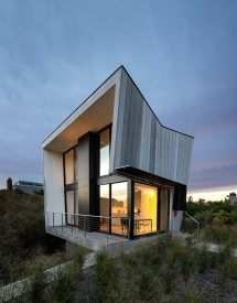 Two-story Beach House With Small Footprint - Design Milk