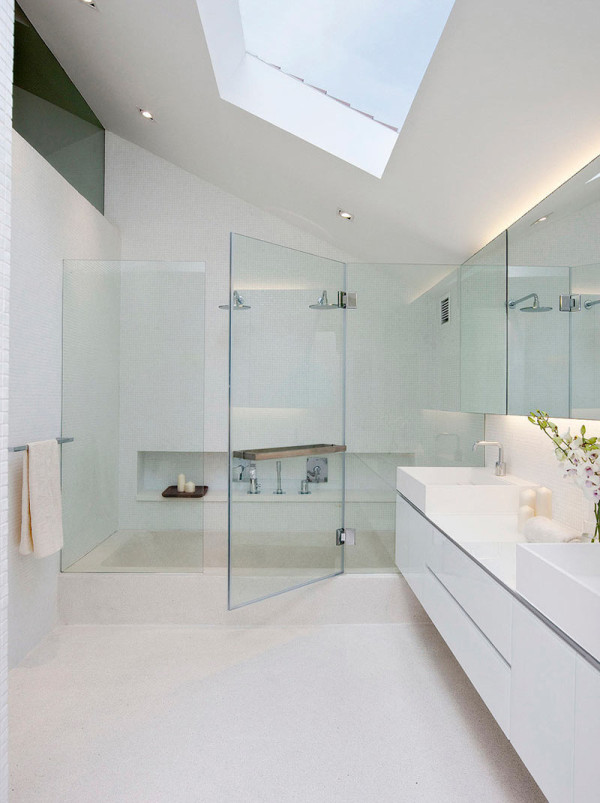 10 Minimalist Bathrooms Of Our Dreams