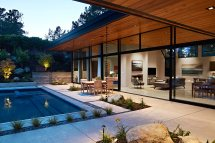 Modern Homes Seamlessly Blend Indoor And Outdoors