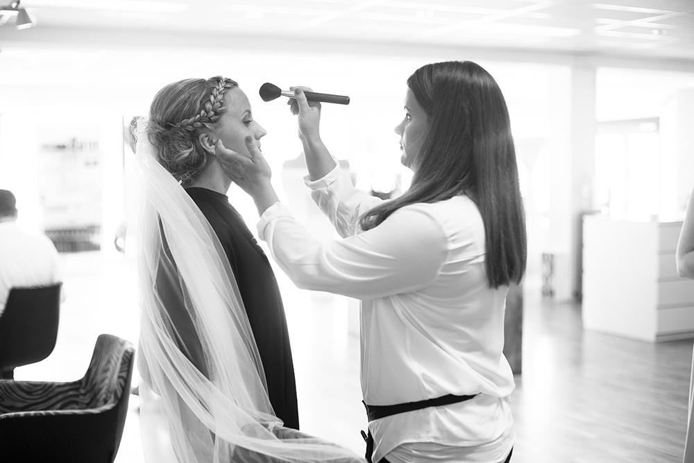 krist.in design bryllupsfoto bryllup brud fotograf rogaland karmøy vea åkrasand bryllupsbilder strand studio harr frisør