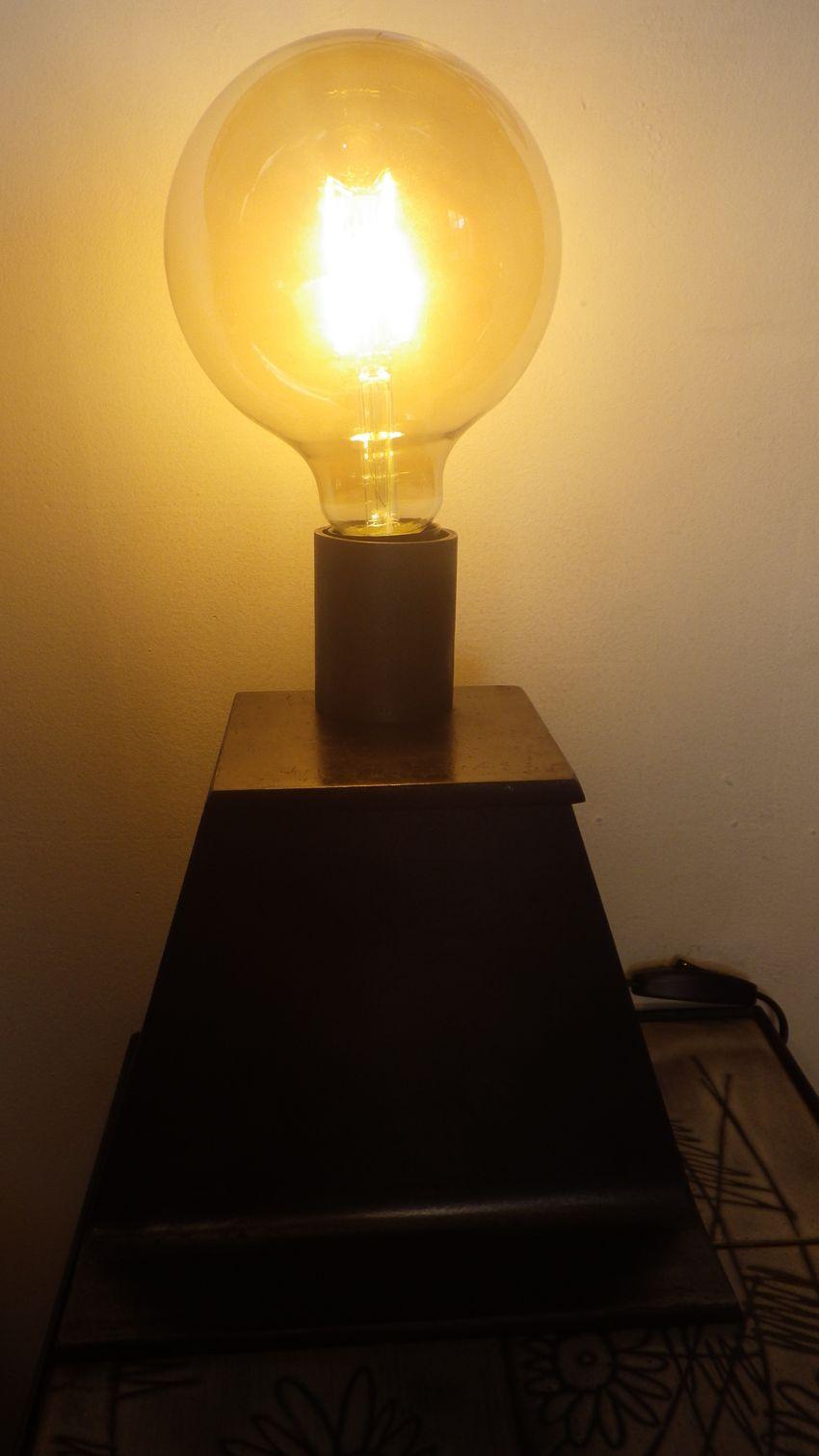 Lampe  poser en acier IPN Luminaire de style industriel Loft