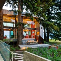 * Residential Architecture: On Vancouver Island, a Tree-Hugging House