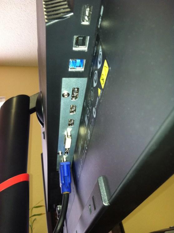 Lenovo LT3053pwA Bottom view
