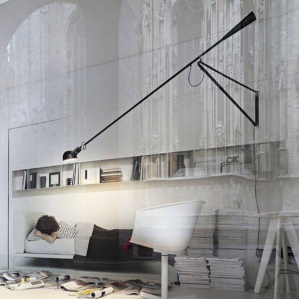 Lampada a parete 265 di Flos con braccio orientabile  Arredare con stile