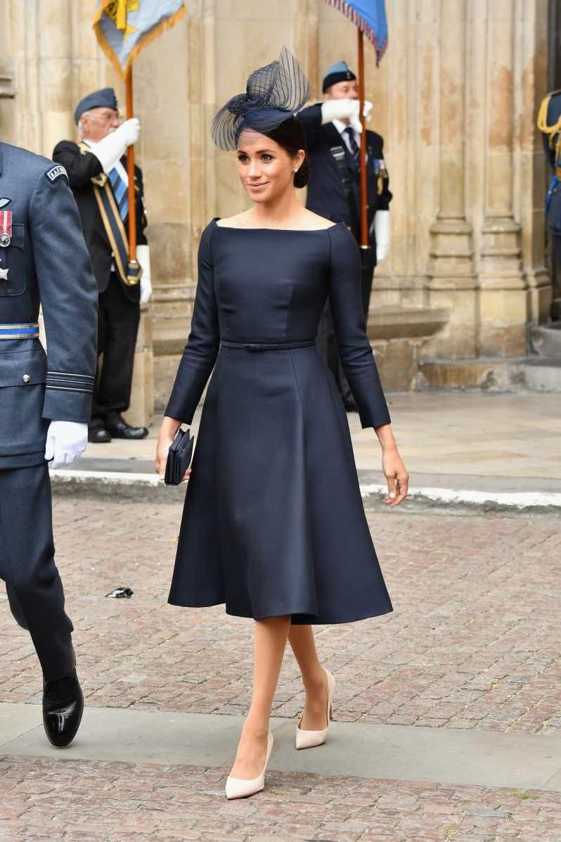 pět nejlepších královských outfitů meghan markle (2)