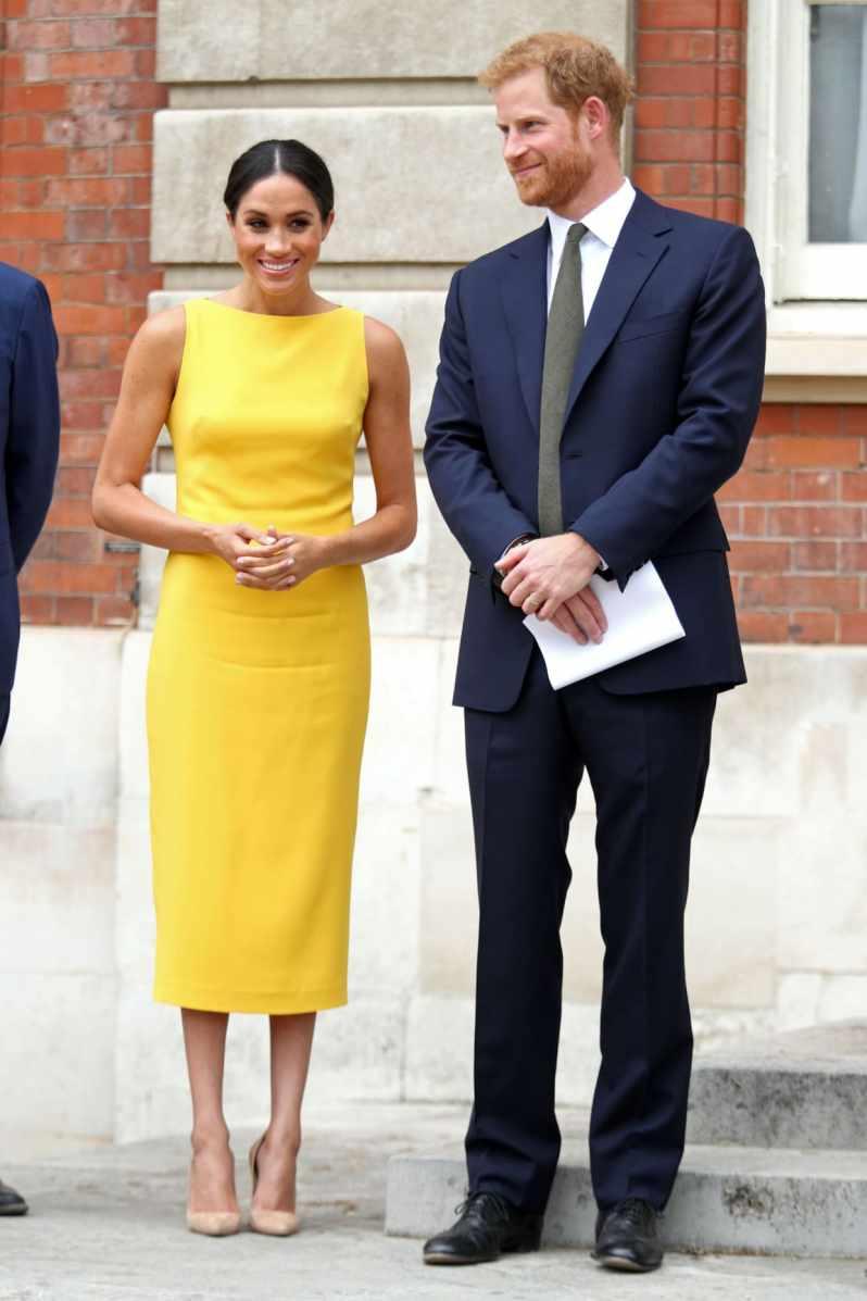 pět nejlepších královských outfitů meghan markle (5)