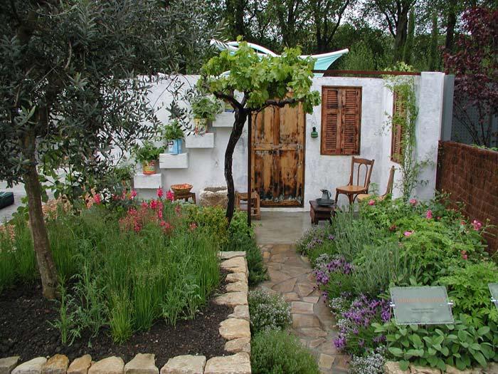 lebanese-courtyard.jpg