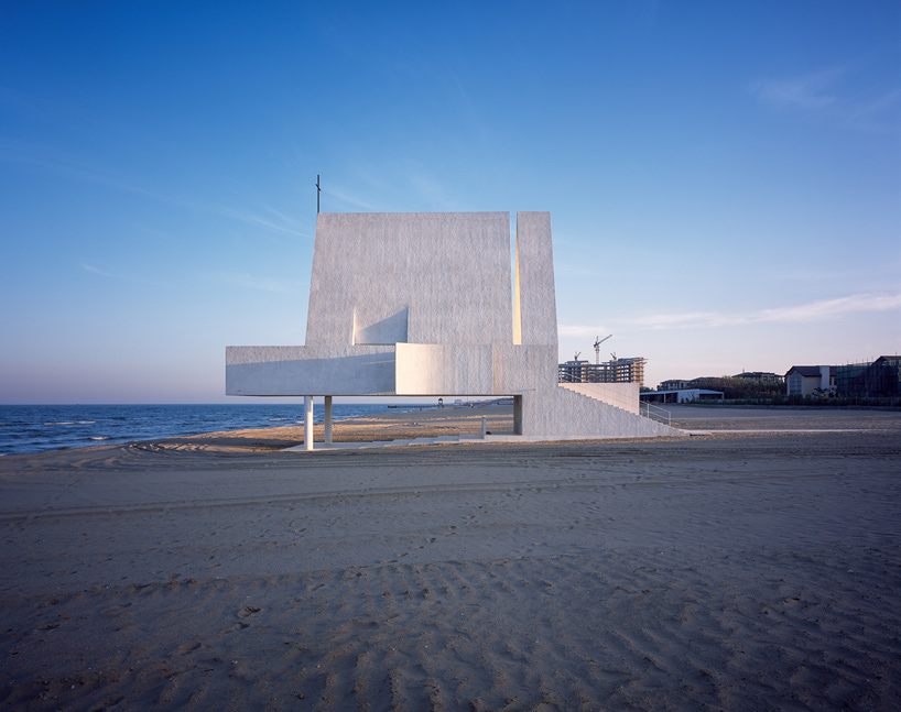 Vector Architects Seashore Chapel In China