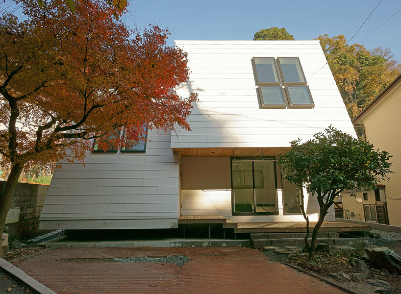 Yuji Tanabe's LL House In Japan Is Slanted To Capture Views