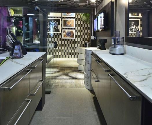 30-the-black-swan-cozinha-vitrine-casa-cor-rio-grande-do-sul-festa-para-os-olhos-em-44-ambientes
