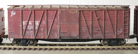 Accurail 8-panel single sheathed box car