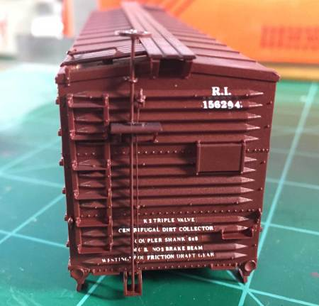 End lettering and detail on a USRA double sheathed box car.