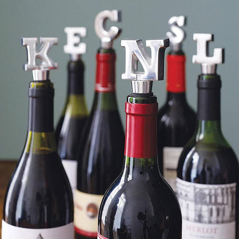 letter wine stoppers - 20 GENIUS DIY TYPOGRAPHY FOR ART AND DESIGN PROJECTS